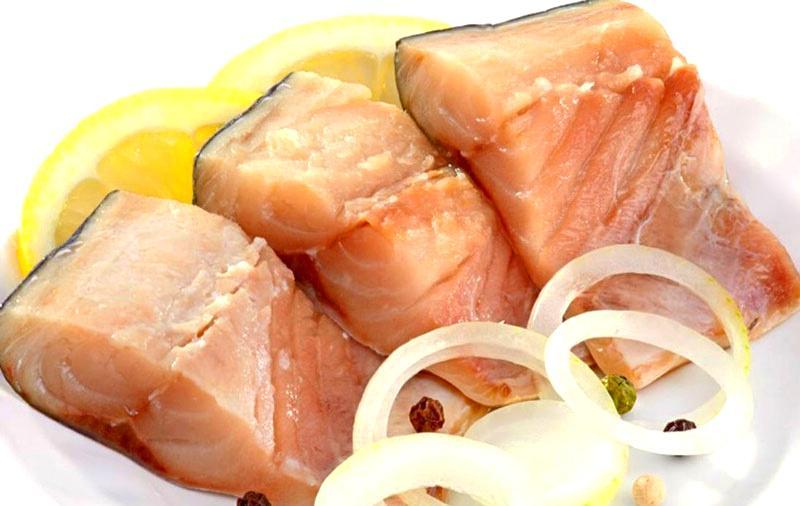 Kak zasolit' rybu v domashnih usloviyah recept